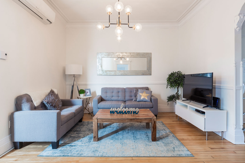 Chic Laurier: salon cozy avec style, avec télévision HD, Netflix et WiFi gratuit