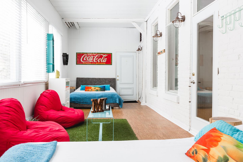 City Chalet : chambre veranda, 2 lits Queen avec matelas en mousse-mémoire ultra-confort