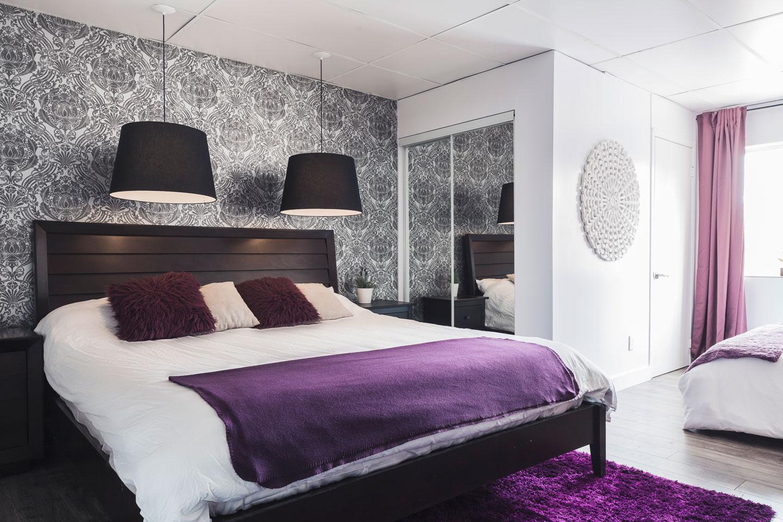 Entertainer: chambre, lit King avec matelas en mousse-mémoire ultra-confort