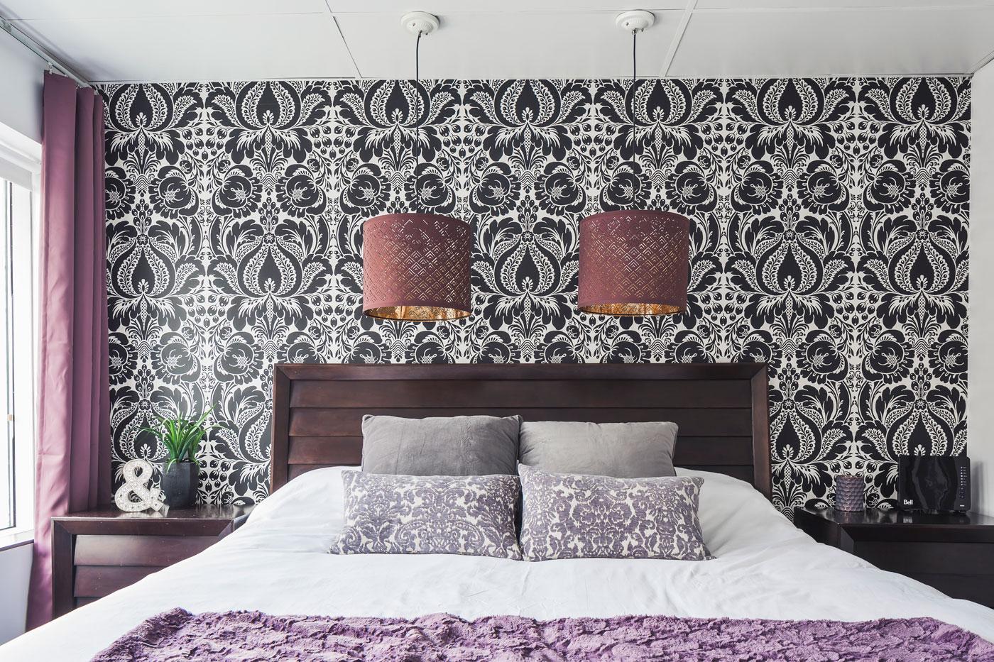Entertainer: chambre avec lit King et matelas en mousse-mémoire ultra-confort