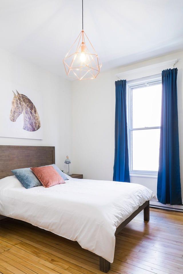 Chic Laurier #2: chambre 3, lit queen, matelas en mousse mémoire