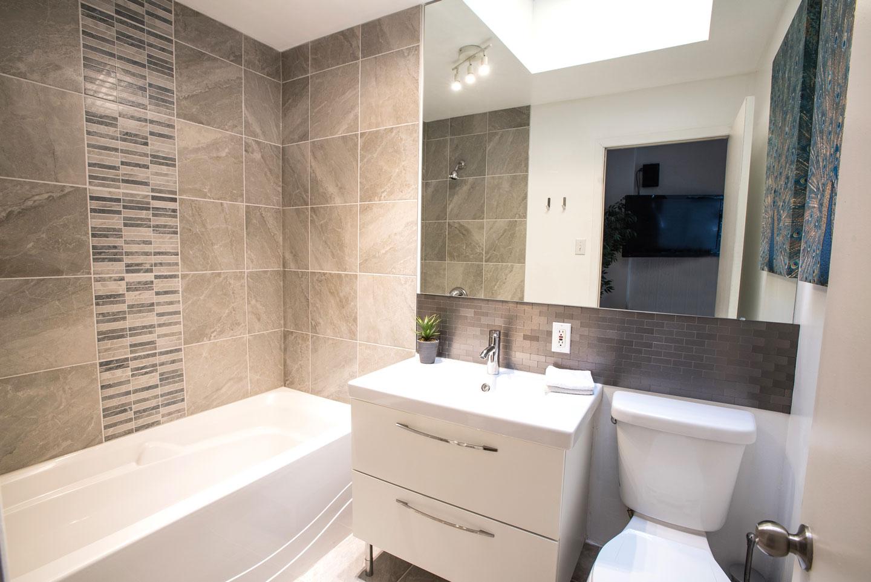 MTL Zoo: 2 salles de bain complètes