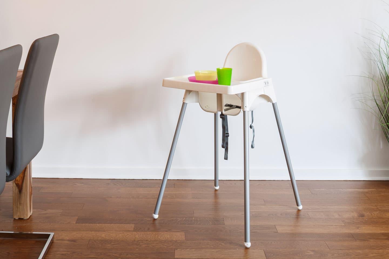 Suite 103: chaise-haute pour enfant de style voyage
