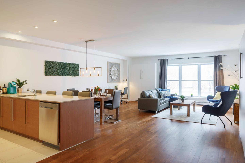 Suite 103: salon spacieux