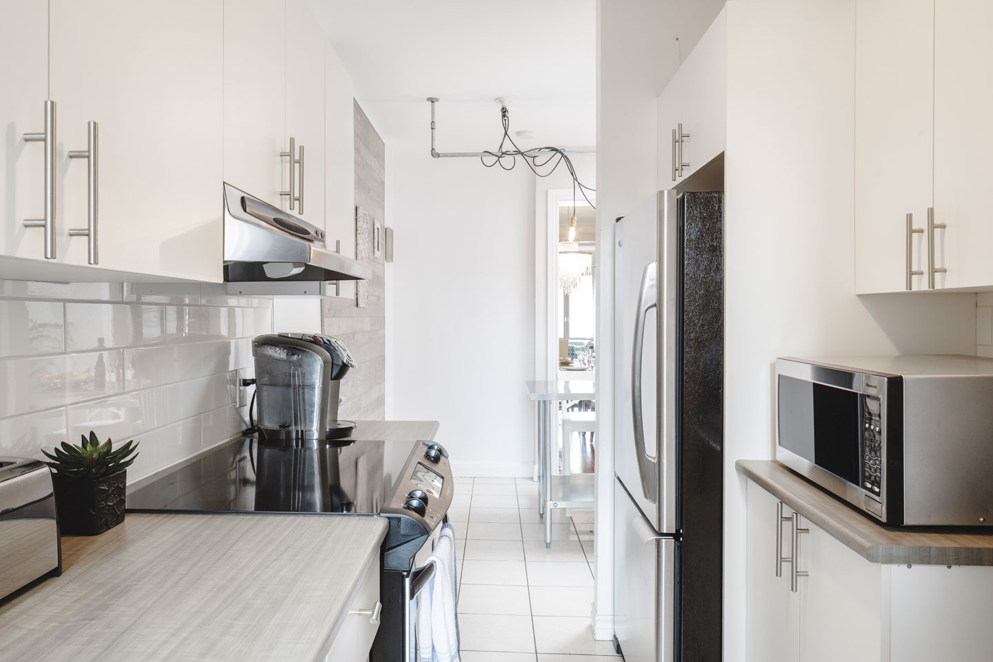 Golden kiss: fully equipped kitchen with dishwasher