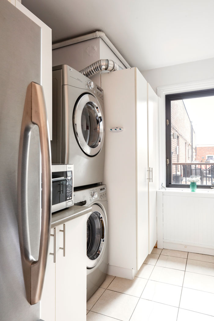 Golden kiss: washer and dryer