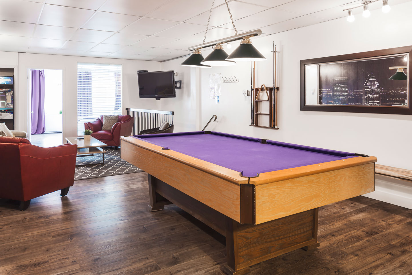 Entertainer: pool table