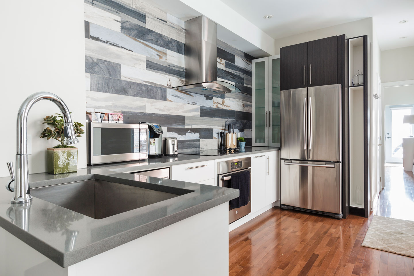 Fabfour: fully equipped kitchen
