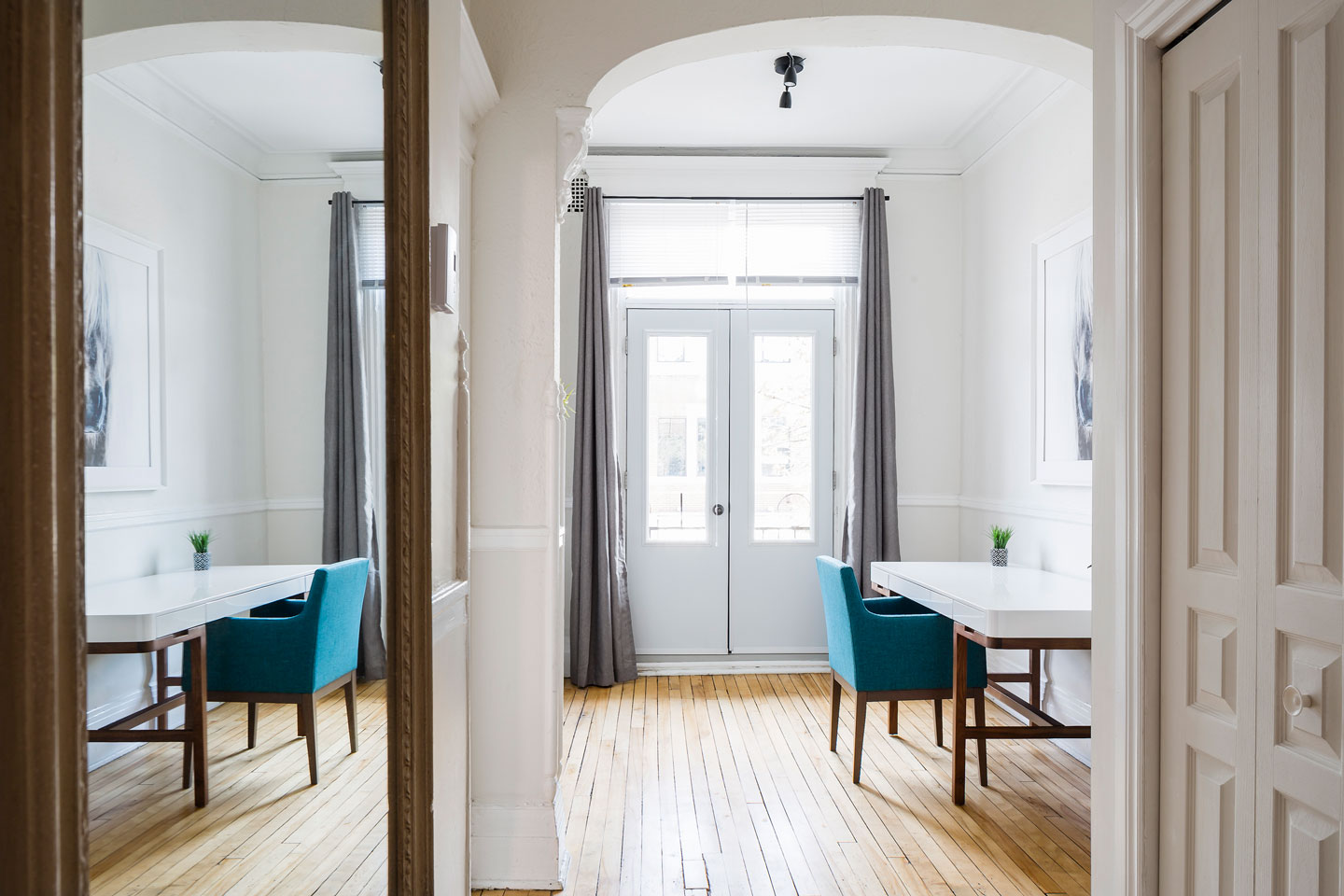 Chic Laurier #2: boudoir with front balcony/ bright work space