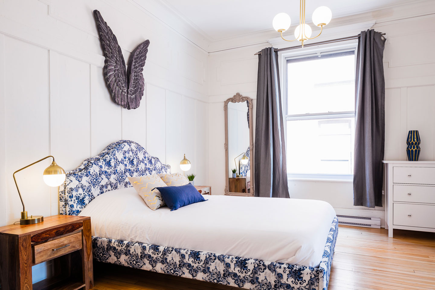 Chic Laurier #2: spacious master bedroom with queen bed and comfortable memory foam mattress