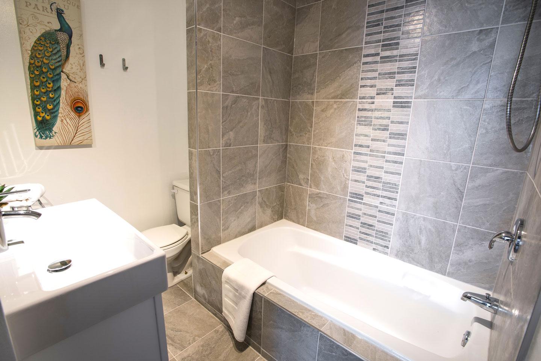 Mtl Zoo: bathroom