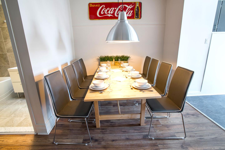 Mtl Zoo: dining room