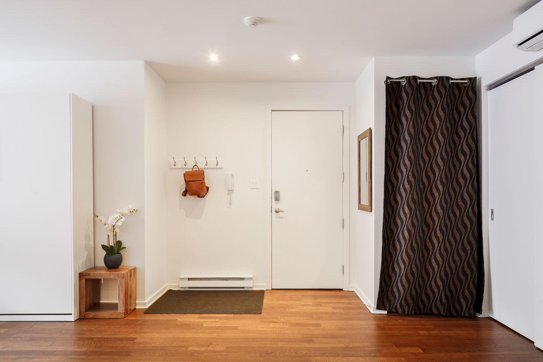 Suite 103: entrance