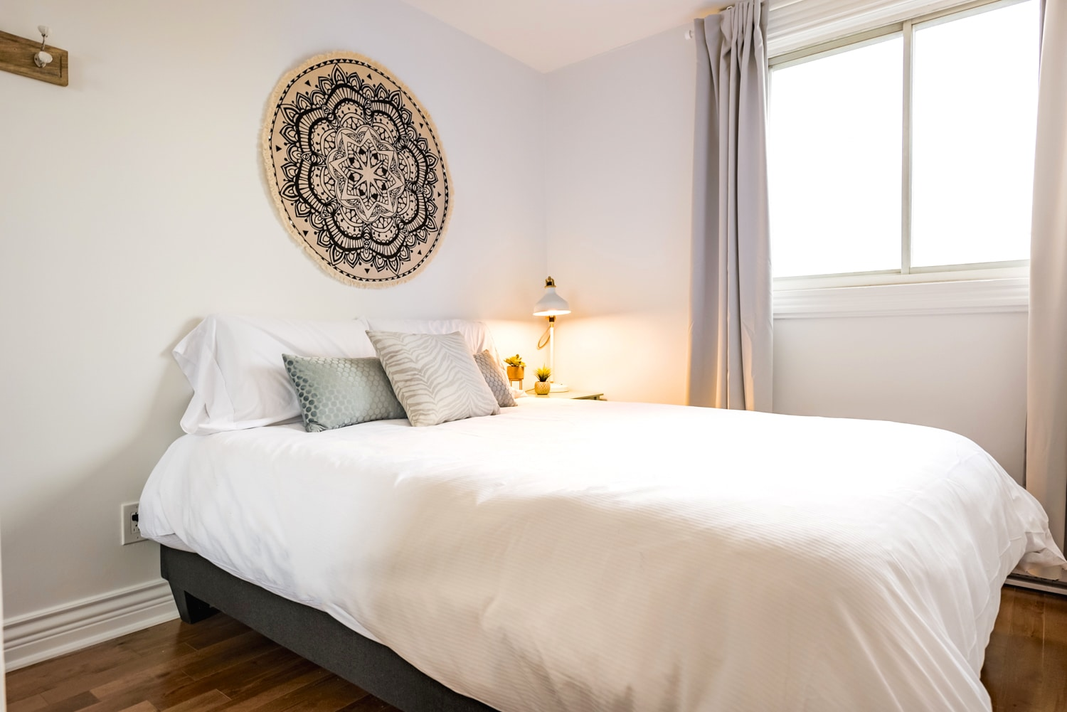 Bedroom #2 : queen size bed with high quality memory foam mattress