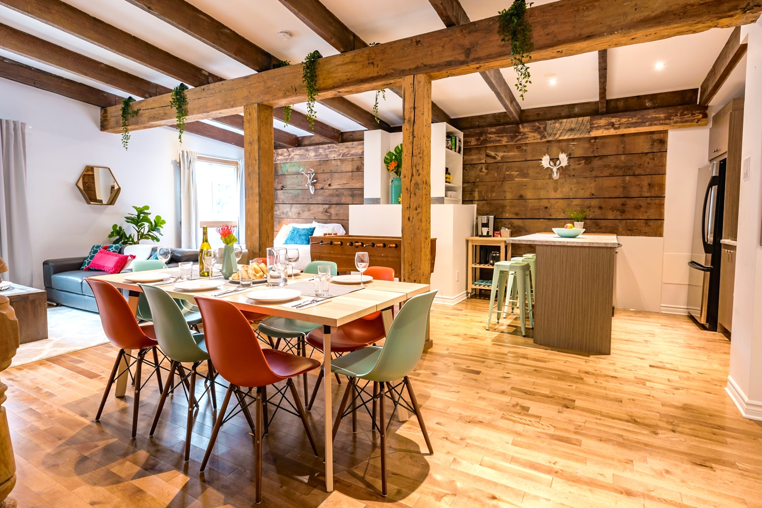 Warm apartment on 2 floors with original beams